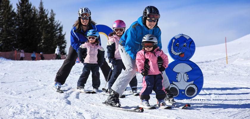 Switzerland_Graubünden-Ski-Region_Klosters_Ski-school-action.jpg